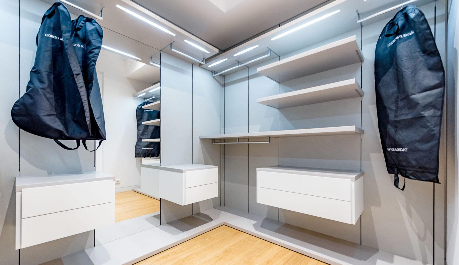 Фото ремонта гардеробной комнаты